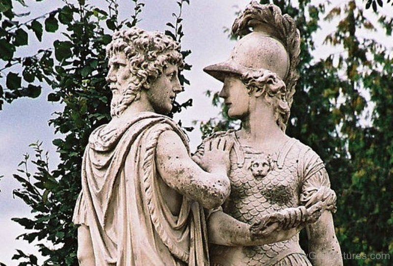 Statue-Of-Janus-And-Ballona-xn911